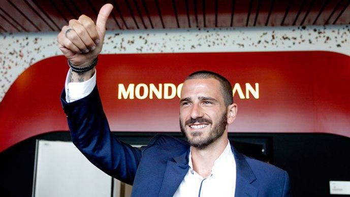 Гвардиола со чуден коментар за трансферот на Бонучи