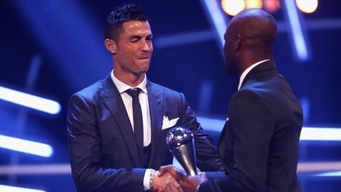 Роналдо е најдобриот фудбалер за 2017 според ФИФА