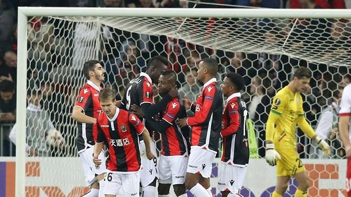 ЛЕ  Балотели донесе пласман во нокаут фазата за Ница  Келн по триумфот над Арсенал останува во игра