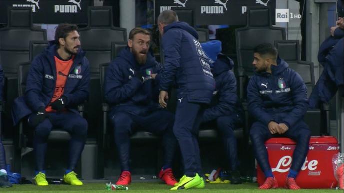 Де Роси збесна кога Вентура му нареди да се загрее  Не играме на реми  пушти го Инсиње ни треба победа
