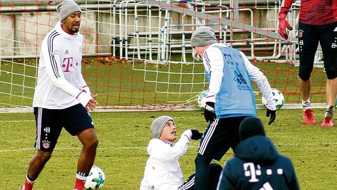 Хамес и Руди се судрија на тренингот на Баерн Минхен