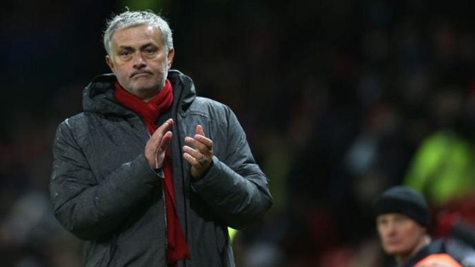 Мурињо ја коментираше опцијата Мхитарјан да биде дел од договорот со Арсенал за Санчез