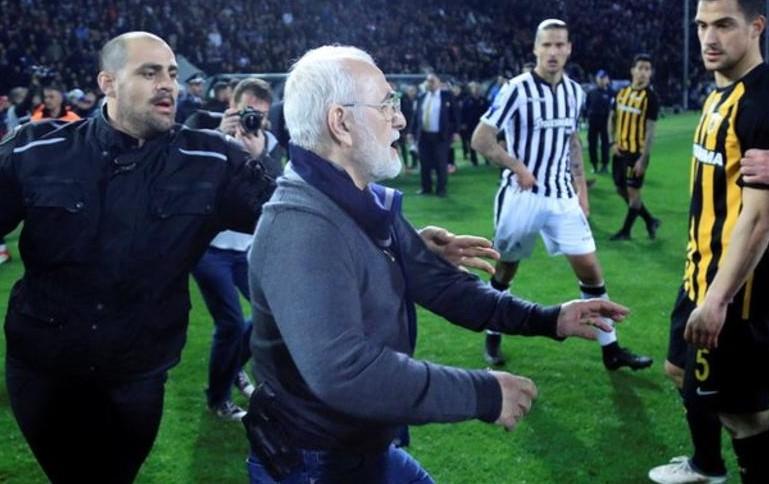Грција го суспендираше фудбалското првенство по примитивниот инцидент во Солун