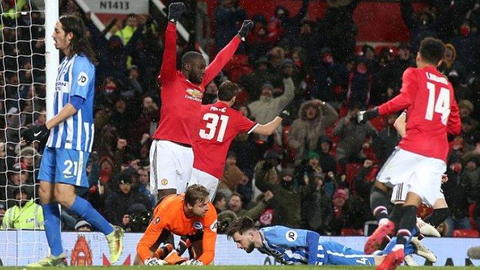 Матиќ и Лукаку го однесоа Манчестер јунајтед во полуфинале